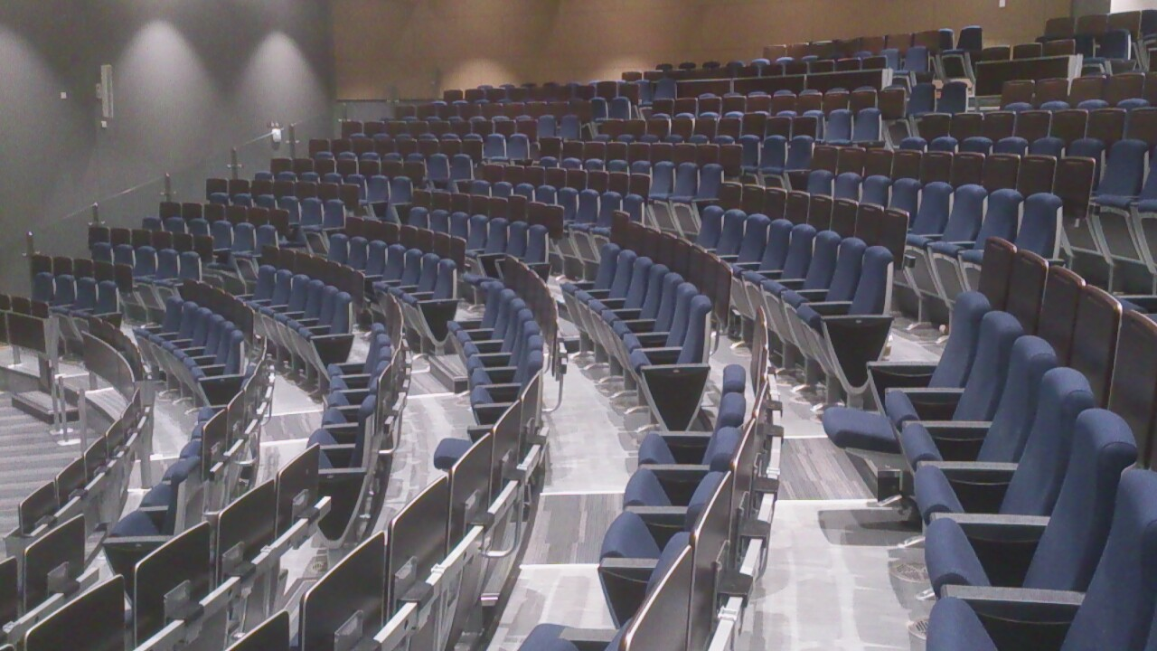 UCD - Sutherland Law - 320 seater Ampitheatre - Jan 2014